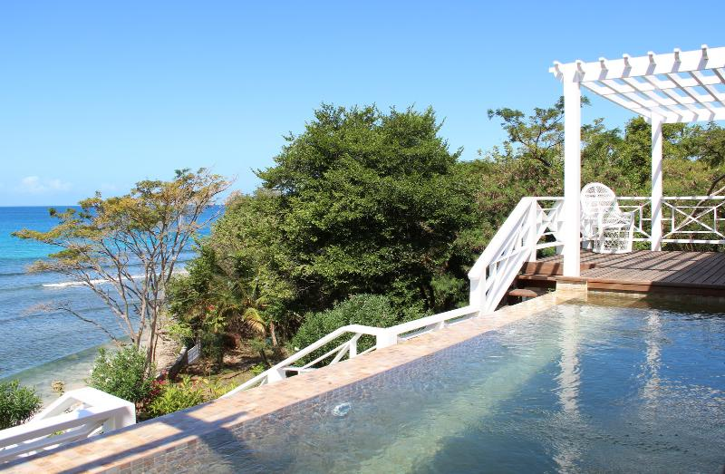 La Pagerie infinity pool