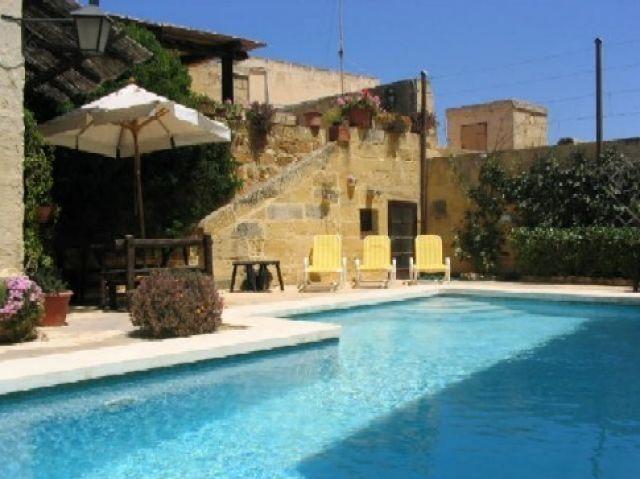 Casa de 350 m2 de 3 dormitorios en Ghasri, vacation rental in Ghasri