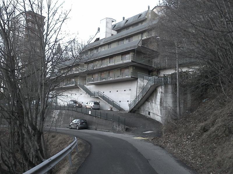 Terrazzo panoramico 6 posti letto vicino alle pist, vacation rental in Chiesina-Farne