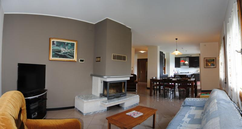 Elegant and big apartment in Vittorio Veneto 4/6 p, vacation rental in Conegliano
