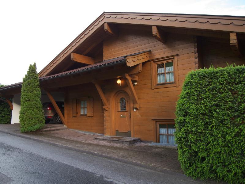 Kaprun Residence - Streetside view.