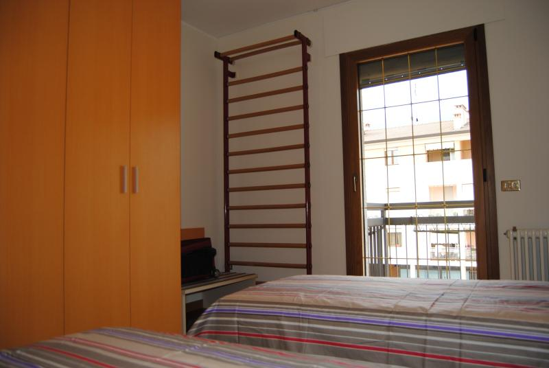 twin bed-room