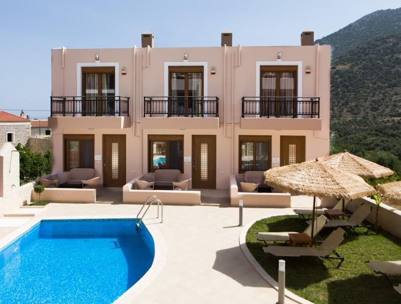 3 bedroom Villa Aphrodite,Athina and Artemis.Sunbeds and umbrellas free