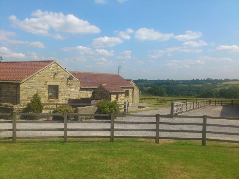 Sallys barn & views over the valley