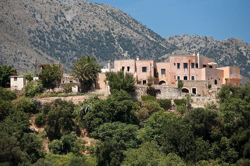 Extérieure vue du complexe (toutes les 4 maisons)