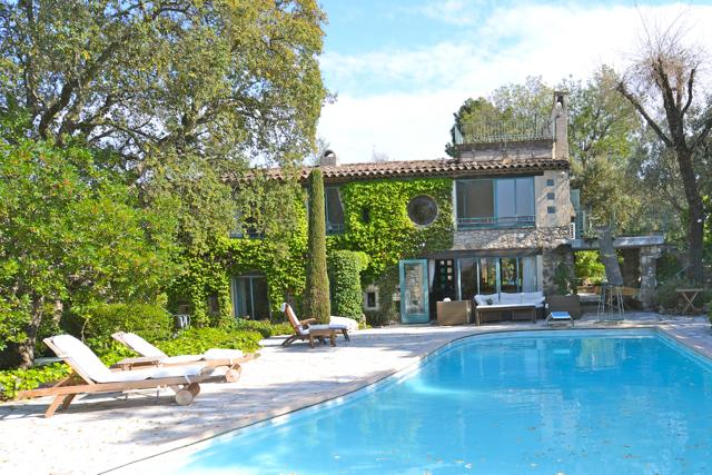 Wonderful Provencal villa with private pool, terrace and balcony, location de vacances à La Roquette-sur-Siagne