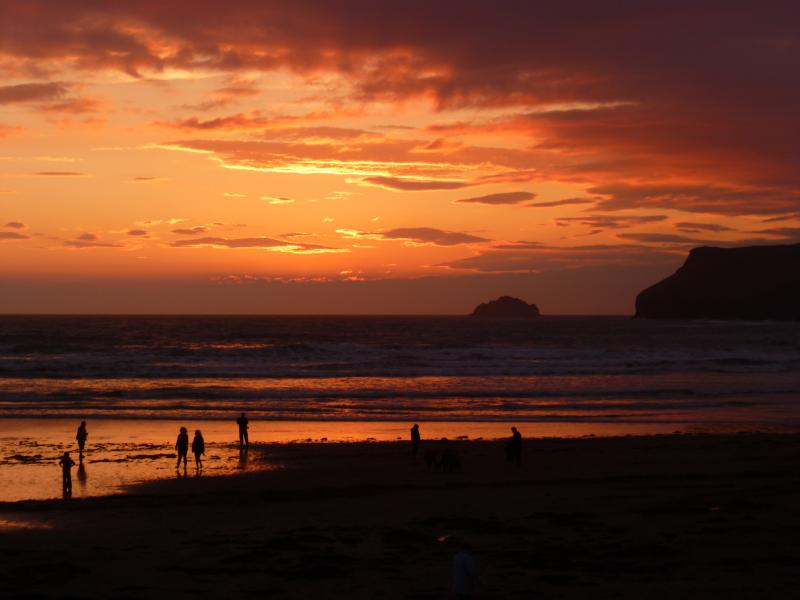 Ideally located to make the most of the stunning sunsets each evening