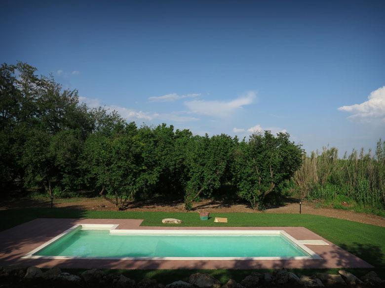 Le Caiole Nocciolo / Hazelnut. The swimming pool.
