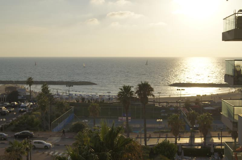 SeaView lux.Apt Sapir Herzliya, holiday rental in Ra'anana