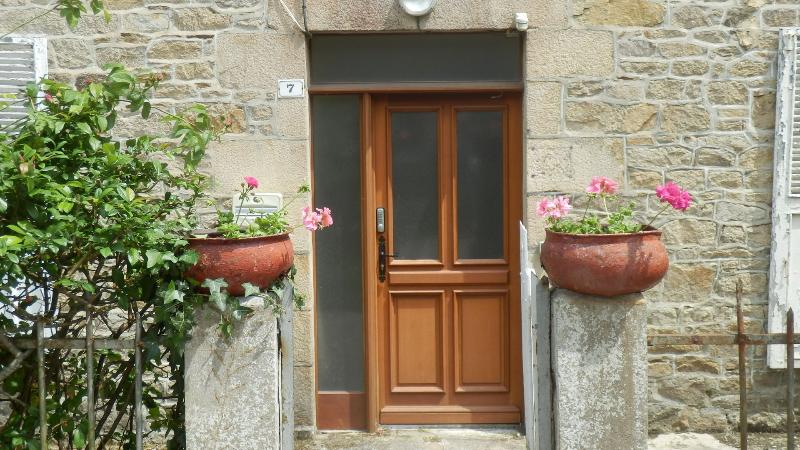 .... our apartment at 7, Rue de Clisson is cosy and comfortable....