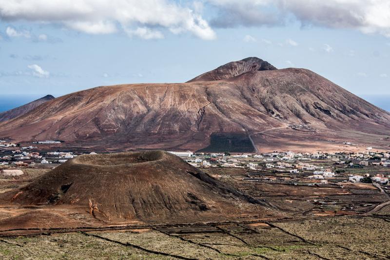 Volcán de Escanfraga, en el pueblecito vecino de Villaverde