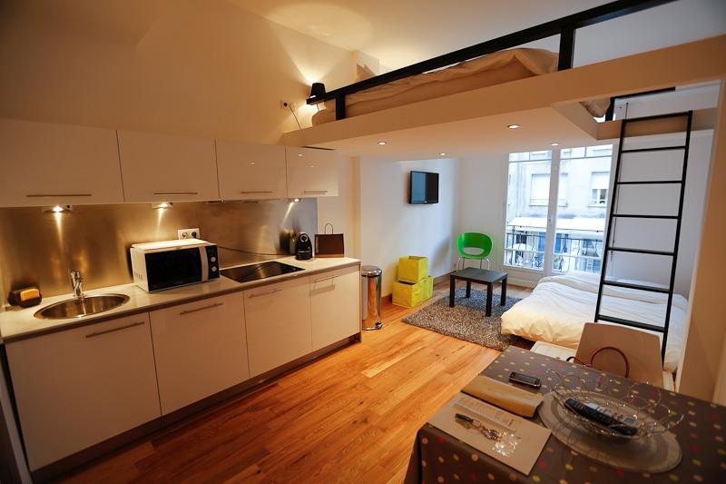 Resumen de Apartamento - cocina, entrepiso, sofá cama, TV
