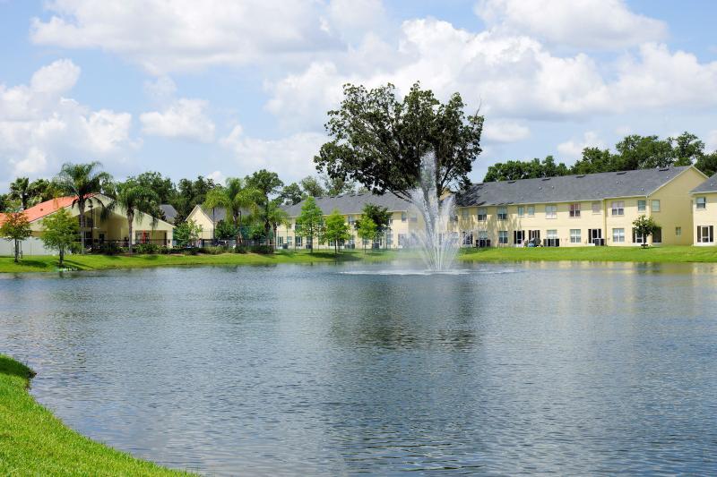 Club Cortile Lake