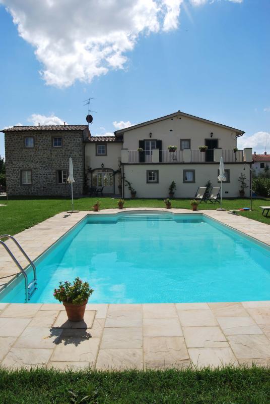 Pool und Ferienwohnungen
