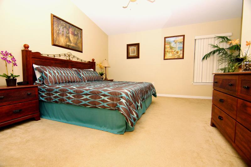 Master En Suite with King Size Bed