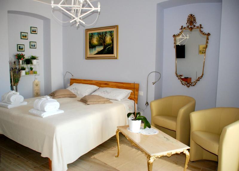 Sotto il Faro - lavanda, holiday rental in Duino Aurisina