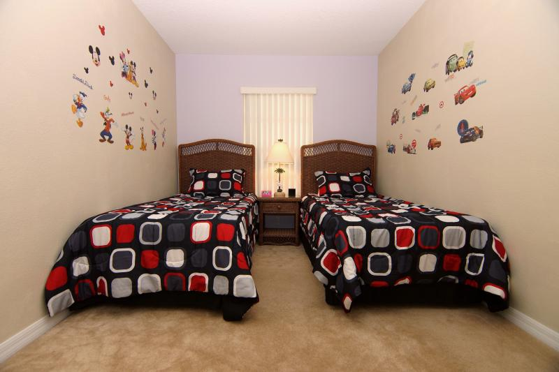 Kid Friendly bedroom with 2 twin size beds