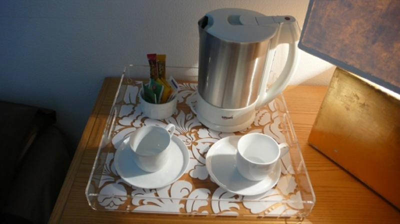 electric Kettle in the suite room