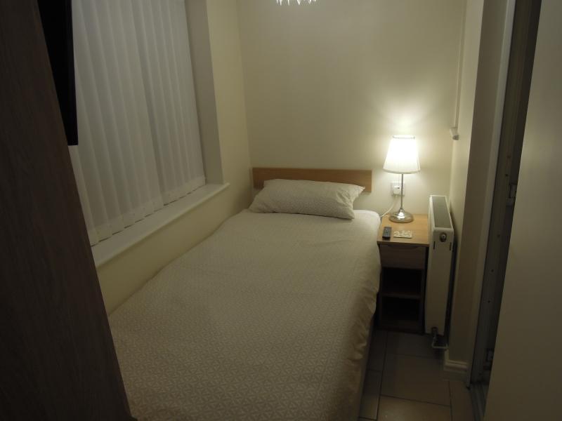 Chambre simple avec salle de bains Apt 1