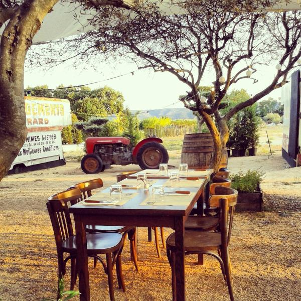 Discover quaint restaurants and eating places in the countryside around Uzès.