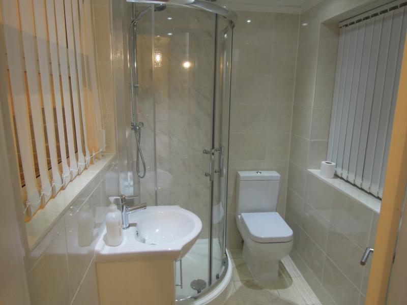 Salle de bains privative à simple Apt 1