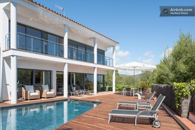 South facing (sun all day long) 140m2 (1500sq ft) tropical wooden terrace