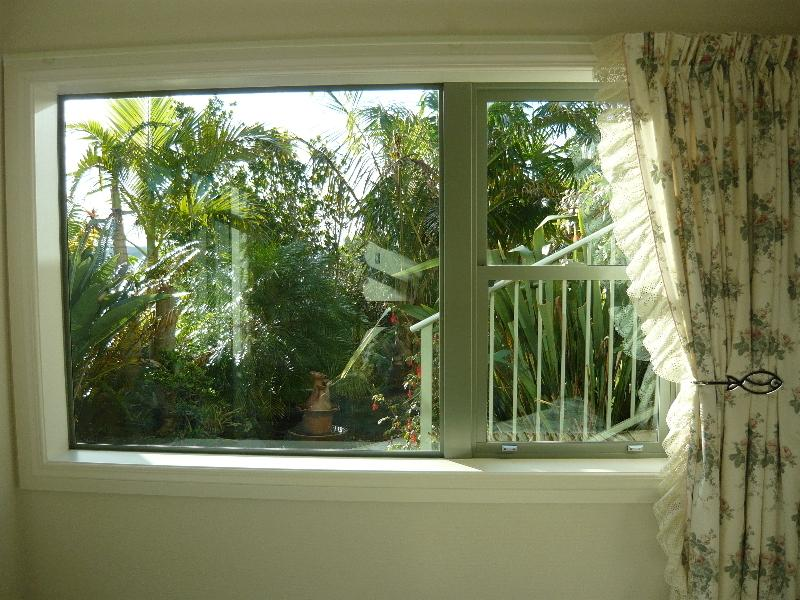 Tropical setting from your pillow.