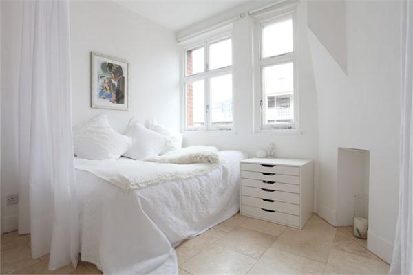 La camera da letto - più luminose e accoglienti, con un letto matrimoniale molto comodo.