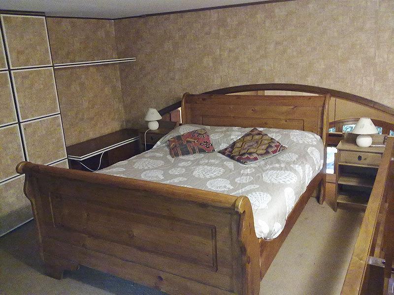 quarto de casal equipado roupeiros