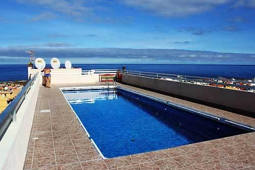 Roof top pool, amazing 360 degree views