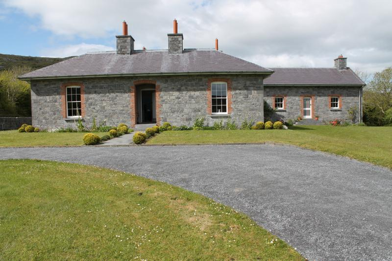 Deelin Mór Lodge from the front garden