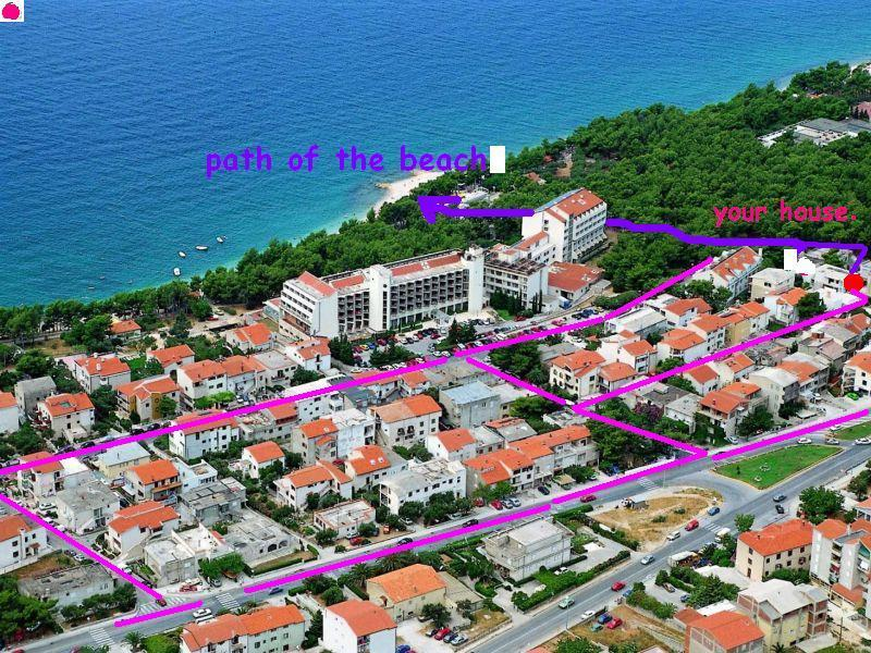 Guest house 100m from great beach,restaurant,tenis centar and hotel Rivijera and 500m diskobeach