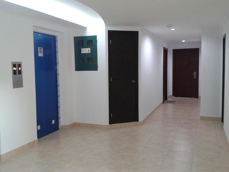 7 FLOOR ELEVATOR ENTRY / ENTRADA PISO 7 ASCENSOR