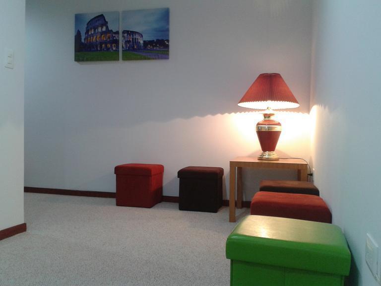 PRIVATE LIVING ROOM / SALA DE ESTAR