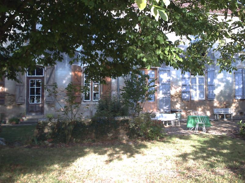 MANOIR DE BUROSSE SUD- OUEST FRANCE RDC, vacation rental in Gers