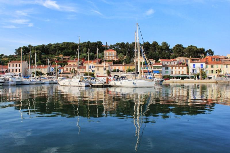 Holiday apartment in Saint Mandrier sur Mer, Provence (Var, south of France), vacation rental in Saint-Mandrier-sur-Mer