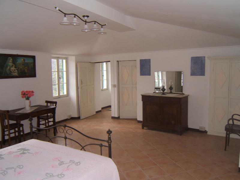 CASA BELVEDERE IN PIETRABRUNA, holiday rental in Pietrabruna
