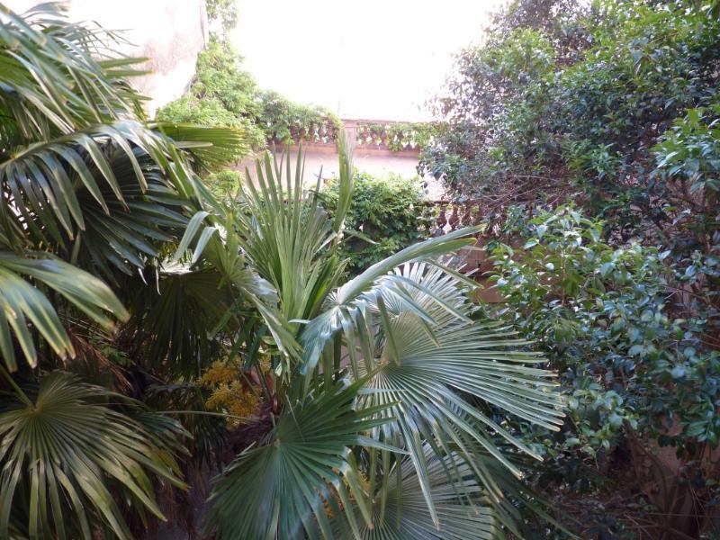 Vue sur jardin depuis le salon, la chambre 1, la salle d'eau et l'entrée
