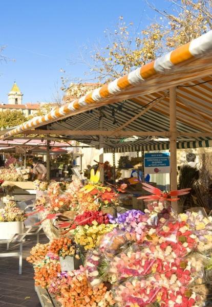 Cours Saleya ( marché du vieux Nice).