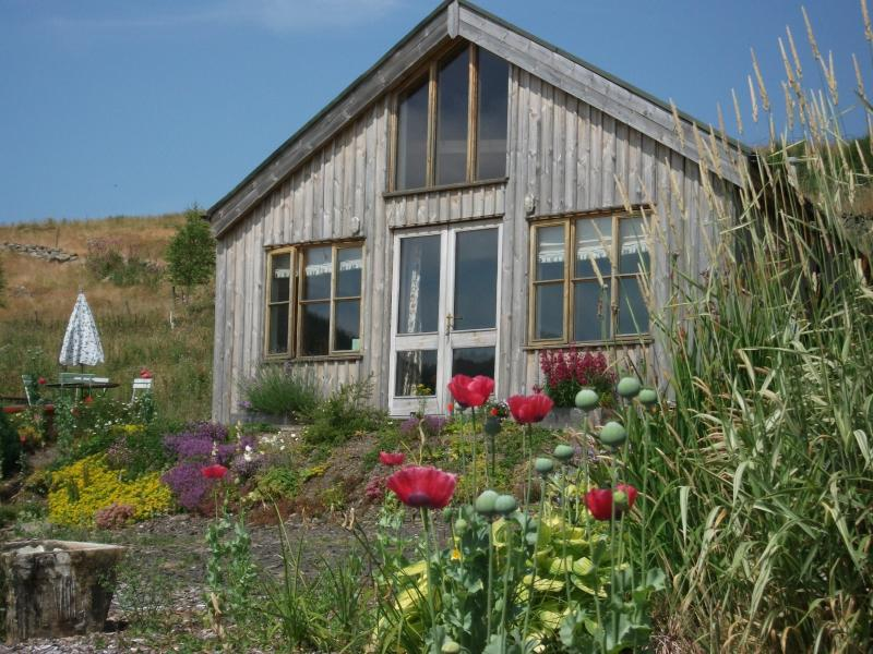 The Bothy, Tombane, Big Tree Country Loads to do and see, lambs in the field from April.