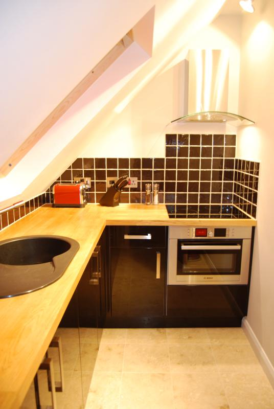 Well equipped kitchen with under floor heating