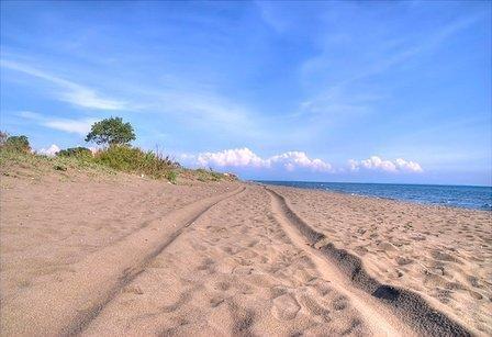 13 km long beach Velika Plaza