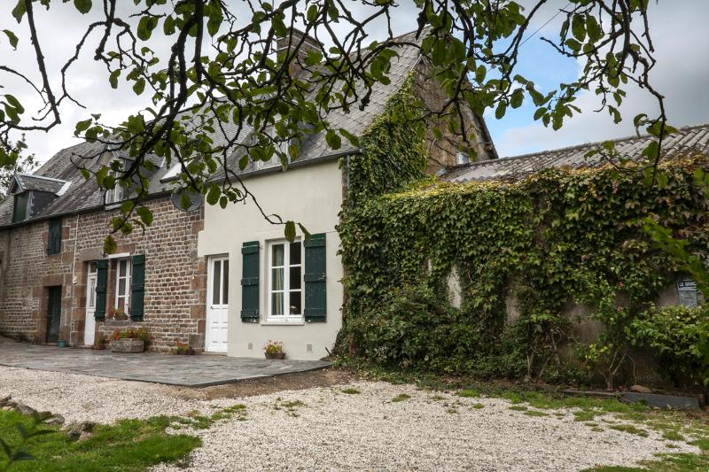 200 year old Detached Stone Farmhouse