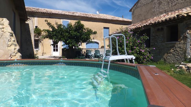 Le Mas Bigari, location de vacances à Suze-la-Rousse