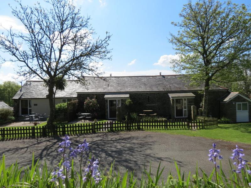 Dill Cottage is one of four quality dog friendly barn conversions at Lower Trengale