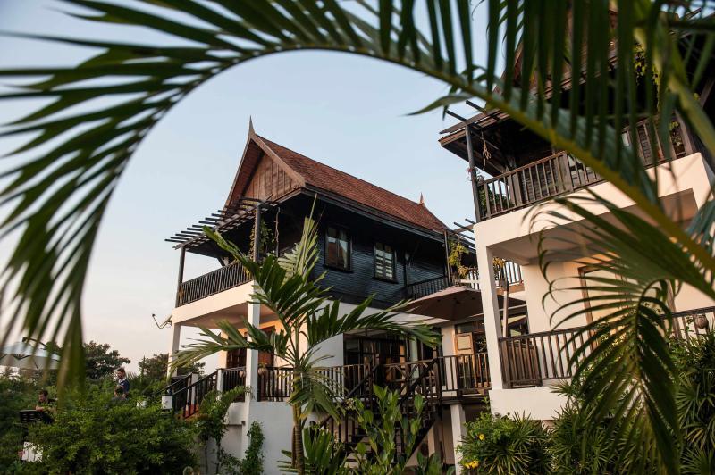 Spaziosa villa di famiglia di due ali con grande giardino tropicale