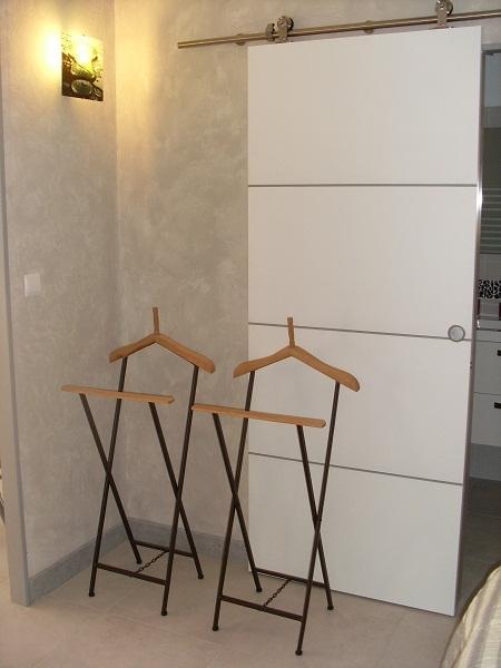 porte coulissante de la salle de bain