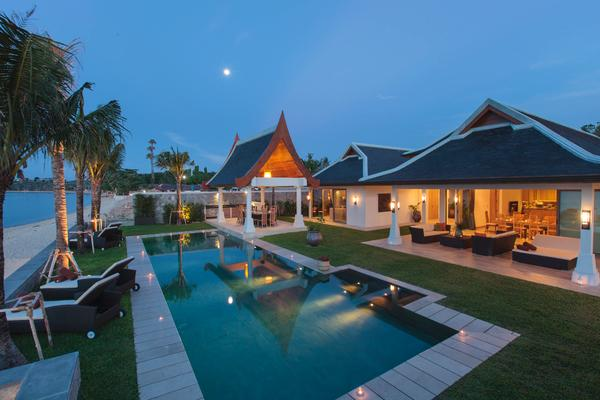 Magical nights are undeniably happening at Villa Wayu