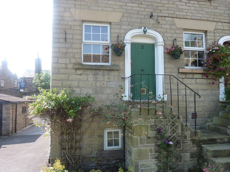 Honeysuckle Cottage, holiday rental in New Mills