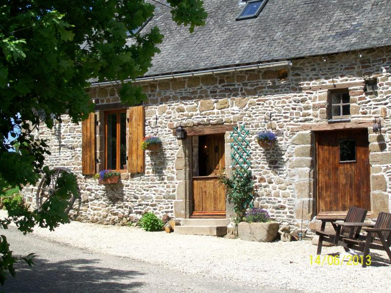 Dougebert Farmhouse, vacation rental in Saint-Aignan-de-Couptrain